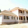 Executive and hot 4bedroom standalone house in Bugolobi at 1.3M