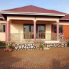 5 bedrooms 3 bathrooms House on quick sale in Seguku-Entebbe at 400m